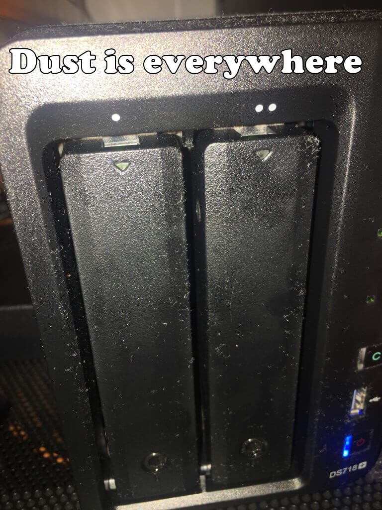 synology nas dust 1