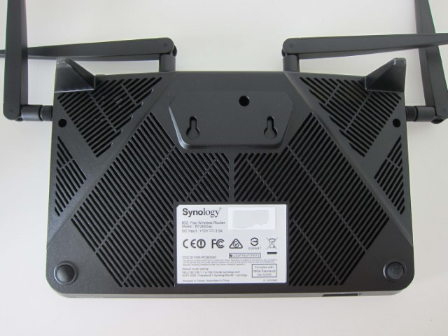 synology router rt2600ac back