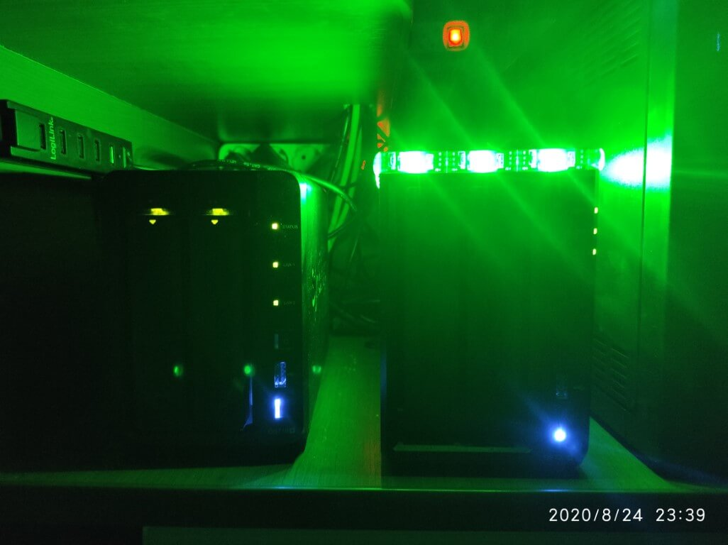 3 Synology NAS decoration